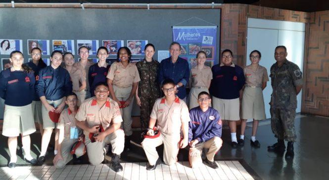 Alunos do Colégio Militar visitam TVE Cultura