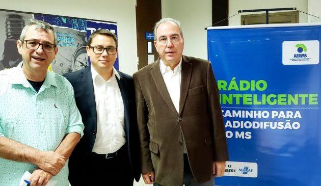 Projeto na Capital discute a qualificação e o futuro das rádios em MS
