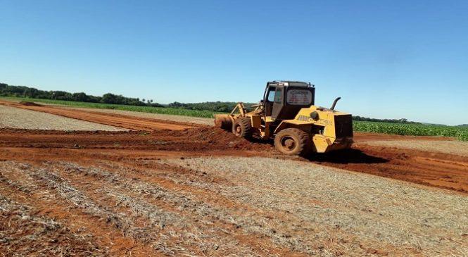Obras para evitar erosões em estradas vicinais e lavouras são retomadas em Bonito